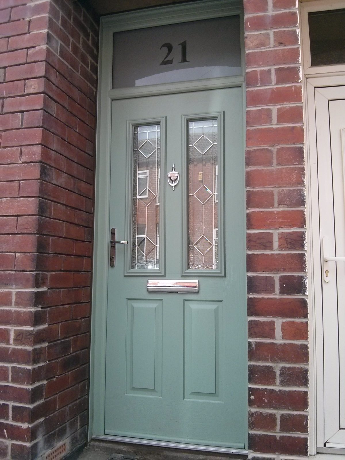 Milano Composite Solidor And Matching Sidelight B Amp P
